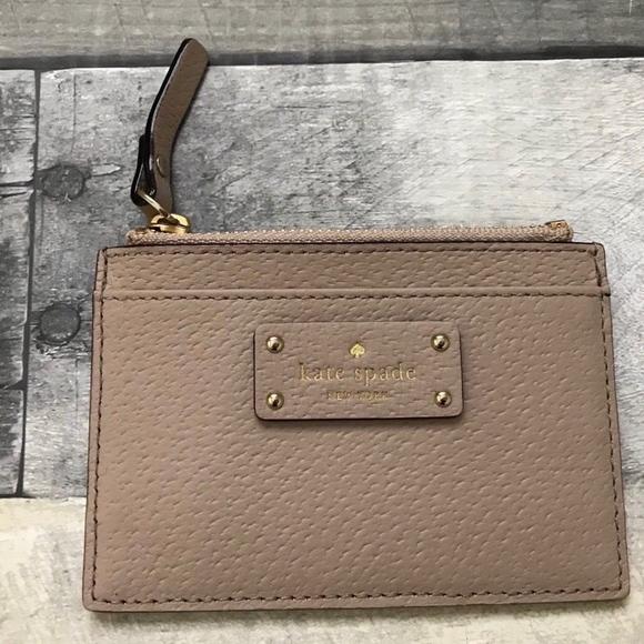 Kate Spade Adi Grove Street Card Case Black//Cream WLRU2811